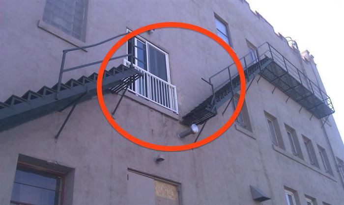 CLUB GIGGLE construct-fails 24 Most Insanely Stupid Engineering Fails