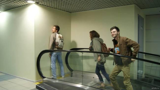 CLUB GIGGLE failed-escalator 24 Most Insanely Stupid Engineering Fails