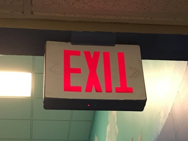 """CLUB GIGGLE clock-exit 30 Best """"Not My Job!"""" funny Pictures on the Internet..."""