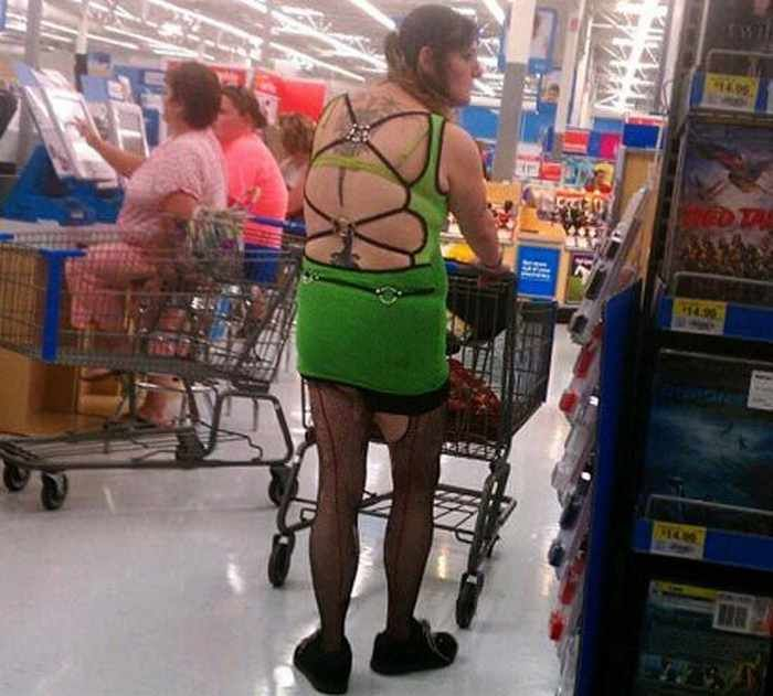 CLUB GIGGLE people-of-walmart14 36 Pictures of People of Walmart