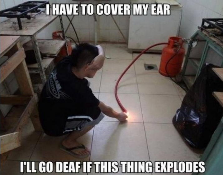 """CLUB GIGGLE 83446152 Top Answer Still On The Board... Show Us """"Darwin Awards!""""30 Pics"""