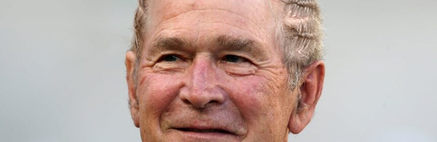CLUB GIGGLE man-bun5-860x280 If Politicians Had Man Buns 20 Pics..