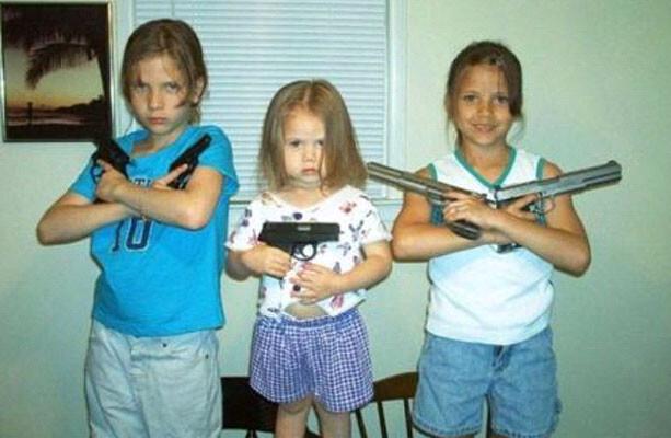 CLUB GIGGLE parenting-fails 25 Horrific Parenting Fails.....