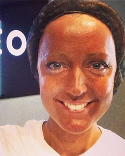 CLUB GIGGLE 632254863375a0bb8a797a15fe4f503a Top 20 Spray Tan Fails That Will Give You Nightmares