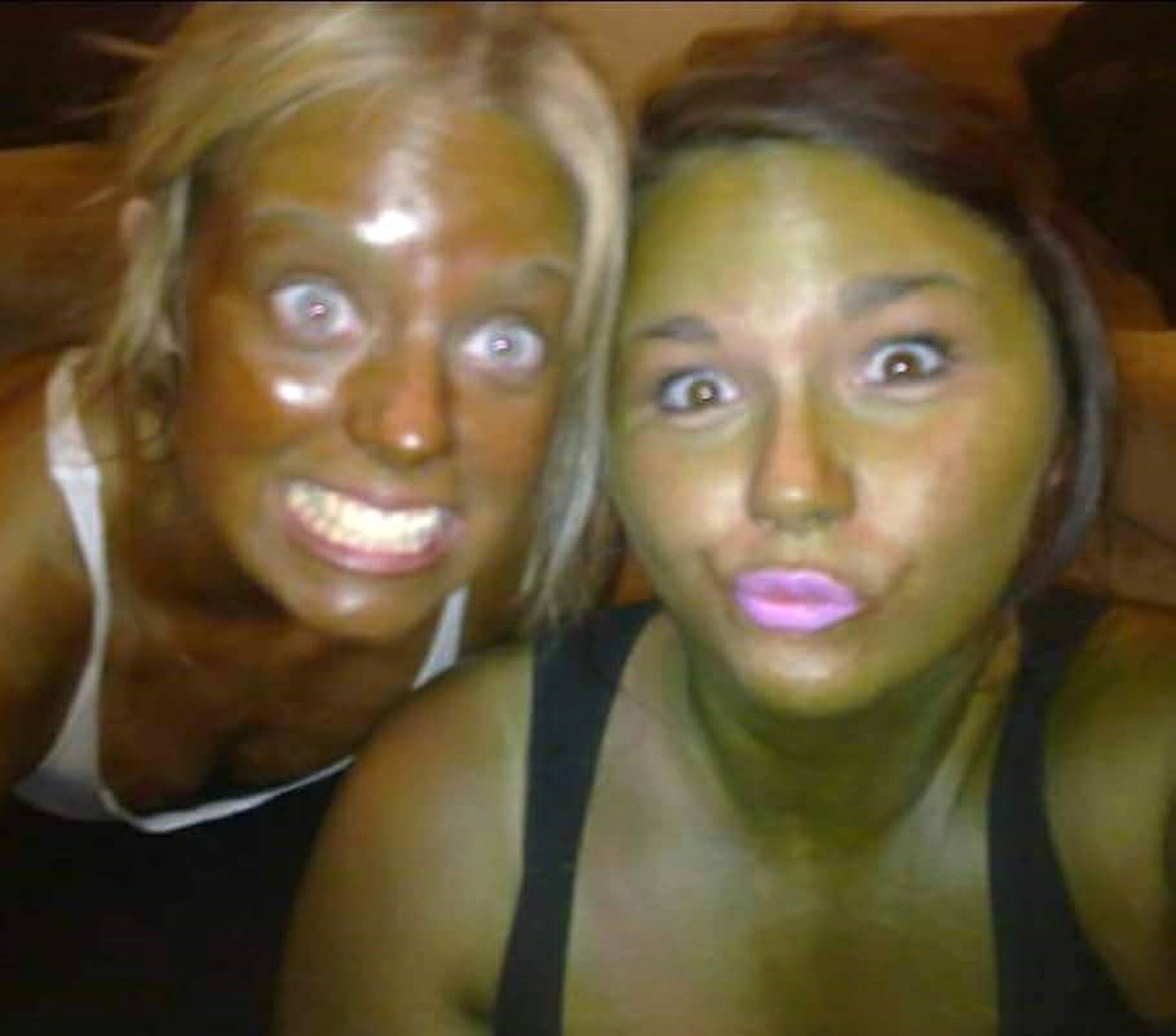CLUB GIGGLE NINTCHDBPICT000425425952-scaled Top 20 Spray Tan Fails That Will Give You Nightmares