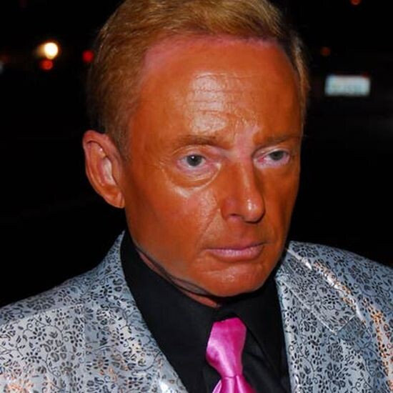 CLUB GIGGLE epic-tan-fail-14 Top 20 Spray Tan Fails That Will Give You Nightmares