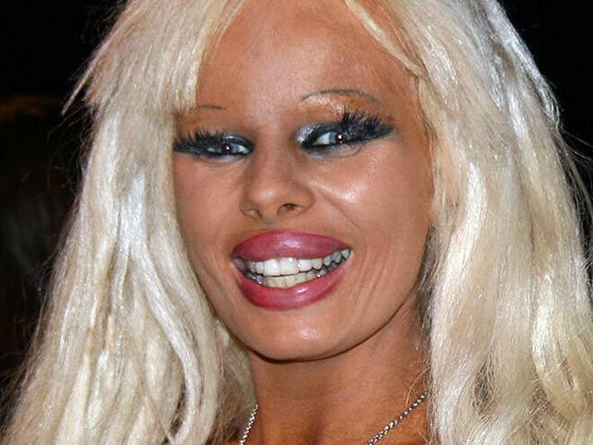 CLUB GIGGLE hilarious-makeup-fails17 30 Hilarious Makeup Fails...