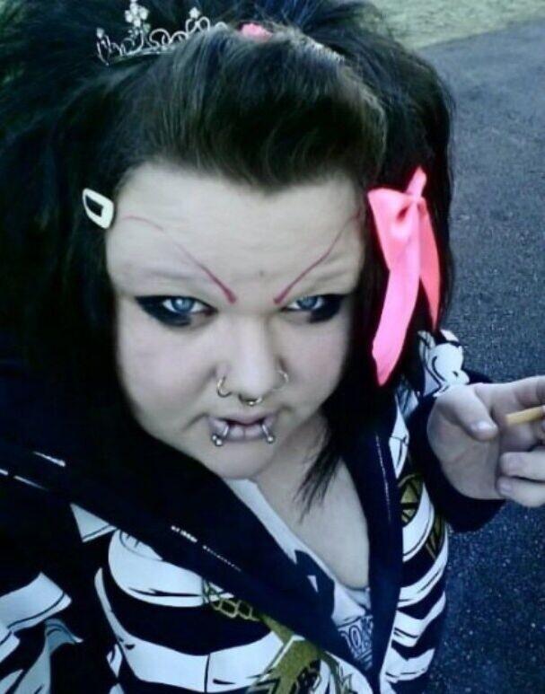 CLUB GIGGLE hilarious-makeup-fails19 30 Hilarious Makeup Fails...