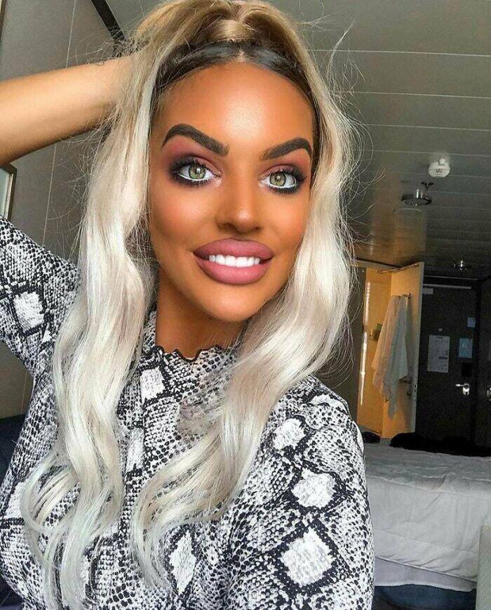 CLUB GIGGLE hilarious-makeup-fails21 30 Hilarious Makeup Fails...