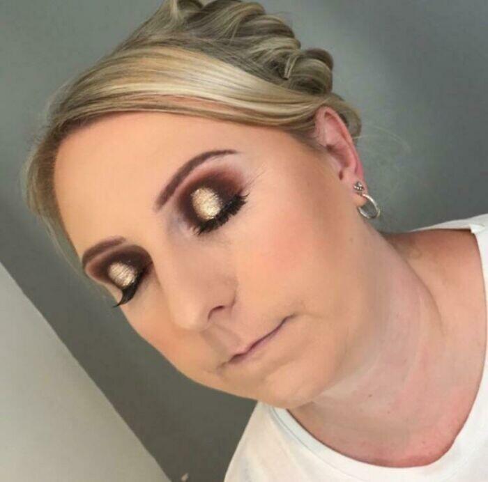 CLUB GIGGLE hilarious-makeup-fails26 30 Hilarious Makeup Fails...