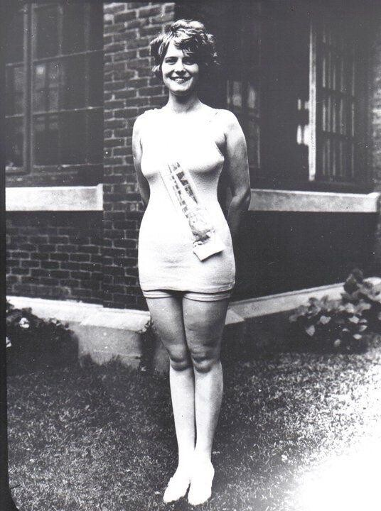 CLUB GIGGLE 3roi8kg2uah21 Miss America 1921 To 1940..  See How Times Have Changed.