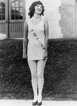 CLUB GIGGLE 5c4dd80e722a748ccbb7056930d39b96 Miss America 1921 To 1940..  See How Times Have Changed.
