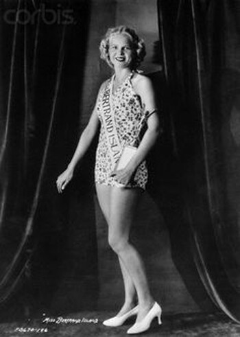 CLUB GIGGLE Cheesecake Miss America 1921 To 1940..  See How Times Have Changed.