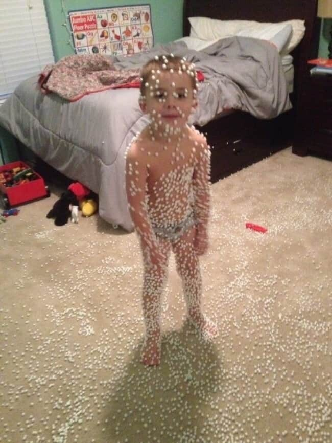 CLUB GIGGLE Kids-Being-Strange-beanbag-eruption Daily Dose Of  Weird pictures on the Net 20 Pics