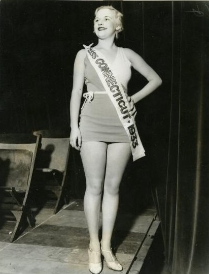 CLUB GIGGLE ct-marion Miss America 1921 To 1940..  See How Times Have Changed.