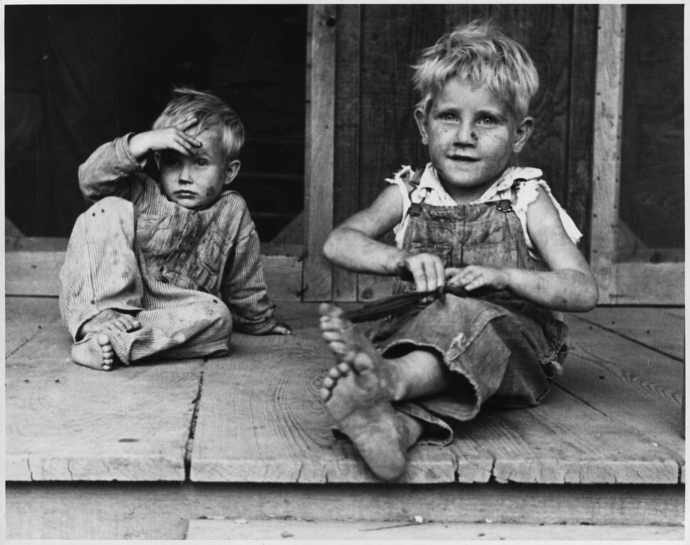 CLUB GIGGLE great 27 Haunting Photos Of  America  During The Great Depression