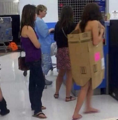 CLUB GIGGLE people-walmart-1 30 Wild Walmartians That'll Make You Feel Better About Your Life Choices