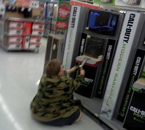 CLUB GIGGLE people-walmart-2 30 Wild Walmartians That'll Make You Feel Better About Your Life Choices