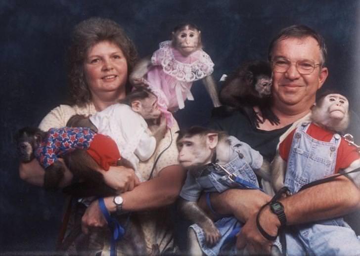 CLUB GIGGLE 13-2 20 Awkward funny Family Photos