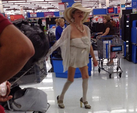 CLUB GIGGLE 31 30 Meanwhile In Walmart Pics That Will Blow Your Mind