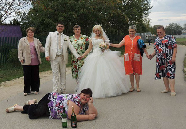 CLUB GIGGLE funny-russian-wedding 24 Funny, Awkward Creepy Wedding Photos From The Land Of Russia