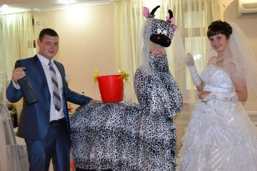 CLUB GIGGLE funny-russian-wedding111 24 Funny, Awkward Creepy Wedding Photos From The Land Of Russia
