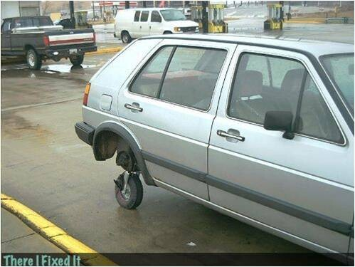 CLUB GIGGLE redneck-car-hacks15 Top 25 Redneck Car Repairs When You Are On A Budget....