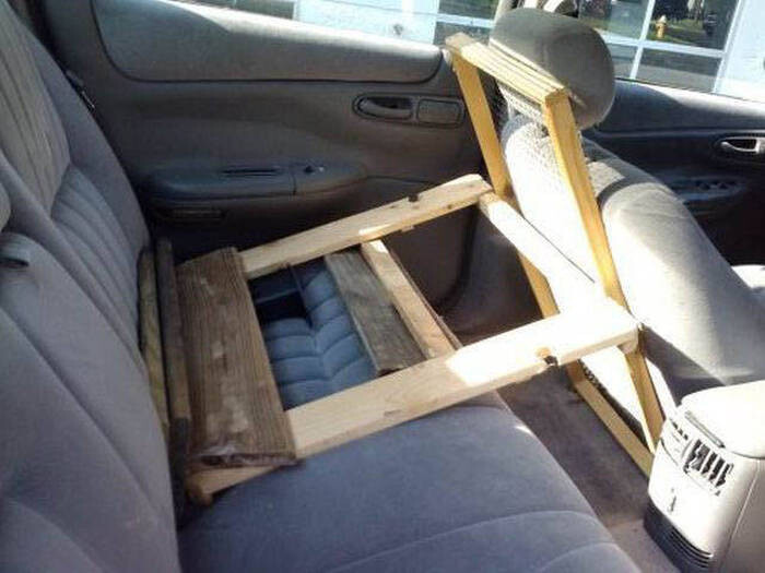 CLUB GIGGLE redneck-car-hacks33 Top 25 Redneck Car Repairs When You Are On A Budget....