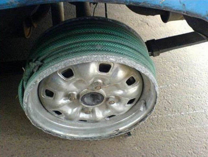 CLUB GIGGLE redneck-car-hacks41 Top 25 Redneck Car Repairs When You Are On A Budget....