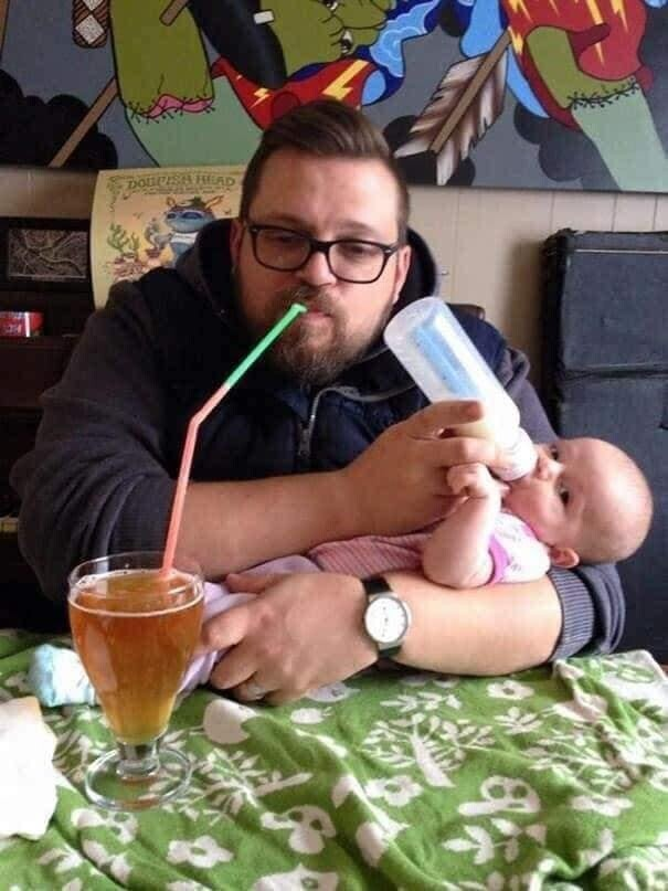 CLUB GIGGLE funny-babies21 When Dads turn to babysit 25 Photos