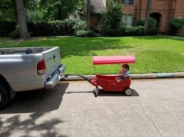 CLUB GIGGLE funny-babies23 When Dads turn to babysit 25 Photos