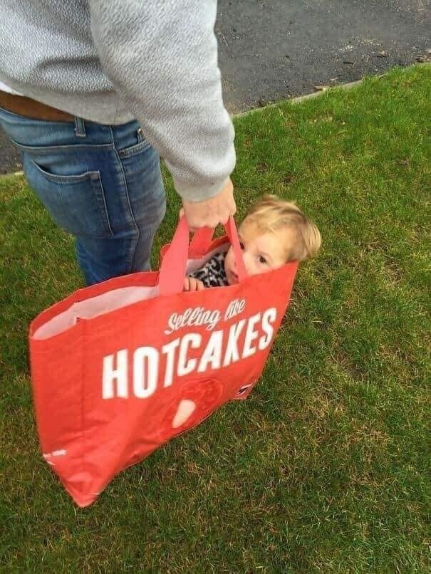 CLUB GIGGLE funny-babies26 When Dads turn to babysit 25 Photos