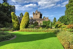 CLUB GIGGLE Cawdor-Castle-In-The-Scottish-Highlands-300x201 Most Beautiful Castles Around The World