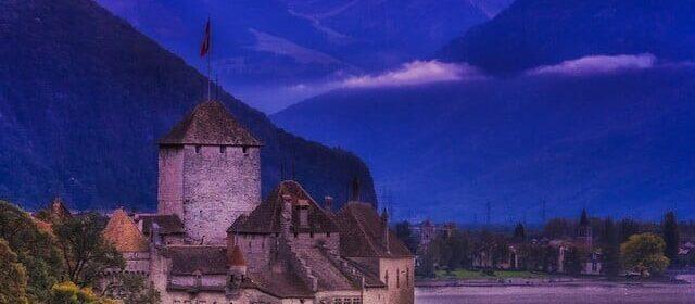 CLUB GIGGLE Chateau-De-Chilon-Switzerland-640x280 Most Beautiful Castles Around The World