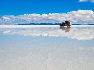 CLUB GIGGLE Salar-de-Uyuni-Bolivia-300x225 Top Ten Wonders of Nature! (Part 1)