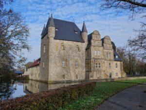 CLUB GIGGLE Schelenburg-Germany-300x225 Most Beautiful Castles Around The World