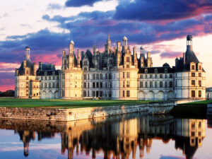 CLUB GIGGLE The-Chateaux-in-the-Loire-France-300x225 Most Beautiful Castles Around The World