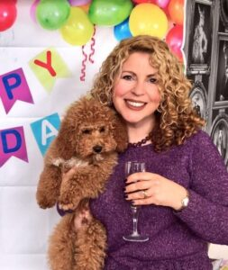 CLUB GIGGLE woman-and-cockapoo-253x300 Pets Who Are Identical To Their Owners