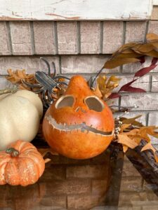 CLUB GIGGLE 019d02e63c465d9f5b7023d3f4cde930-225x300 32 Best Fall Decor Ideas for 2021