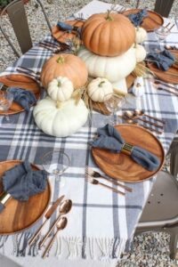 CLUB GIGGLE 26ffcdd3f0dbd9a8c0a827d628269dd0-200x300 32 Best Fall Decor Ideas for 2021