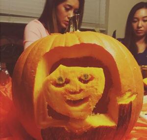 CLUB GIGGLE face.jpg-25797-300x287 Fail: Pumpkin Carving Edition