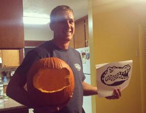 CLUB GIGGLE hole-in-pumpkin.jpg-54169-300x231 Fail: Pumpkin Carving Edition