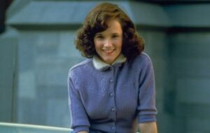CLUB GIGGLE lea-thompson-300x190 Do You Remember These Teen Stars Of The 80's? (Part 1)