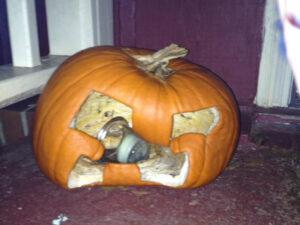 CLUB GIGGLE melted-pumpkin-92094-300x225 Fail: Pumpkin Carving Edition