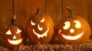 CLUB GIGGLE pumpkin-carving Fall Bucket List 2021