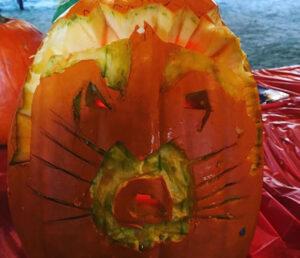 CLUB GIGGLE raccoon-pumpkin.jpg-92842-300x258 Fail: Pumpkin Carving Edition