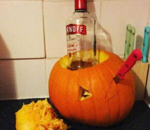 CLUB GIGGLE vodka-holder.jpg-25166-300x260 Fail: Pumpkin Carving Edition
